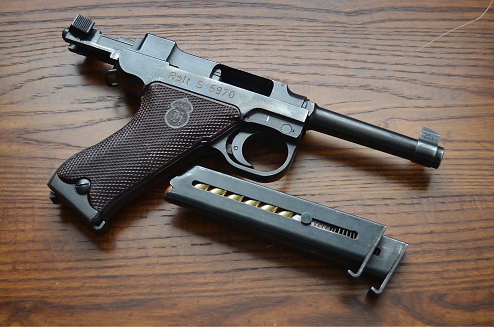 The Husqvarna M 40 Pistol – Forgotten Weapons